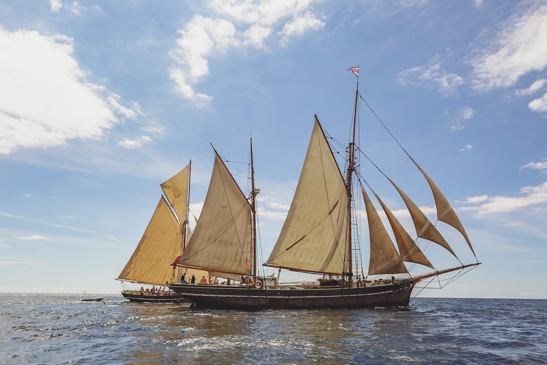 Bessie-Ellen-Agnes-Sailing
