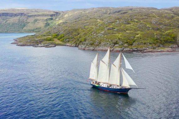 Blue Clipper full sailing