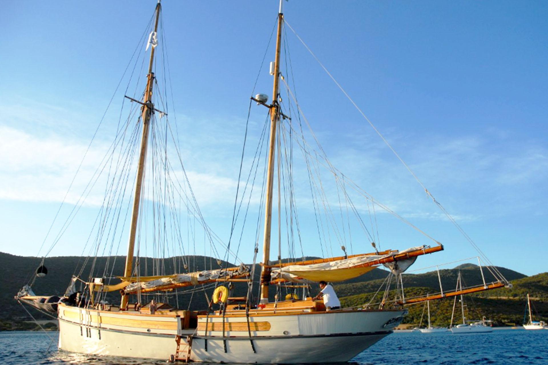 Circe sails down