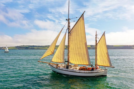 Escape sailing