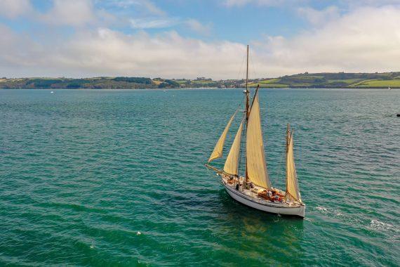 Escape sails up