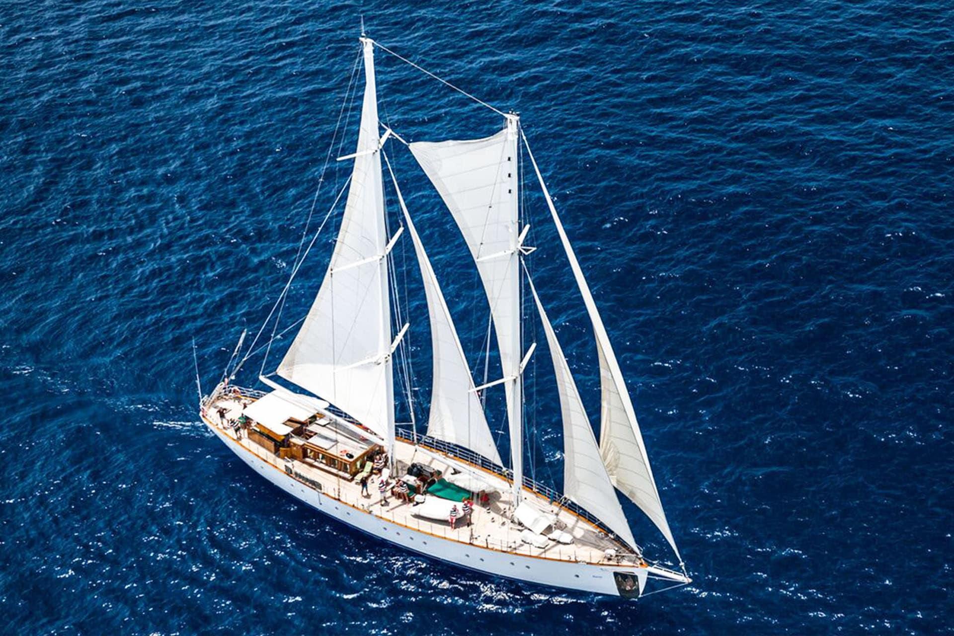 Kairos schooner