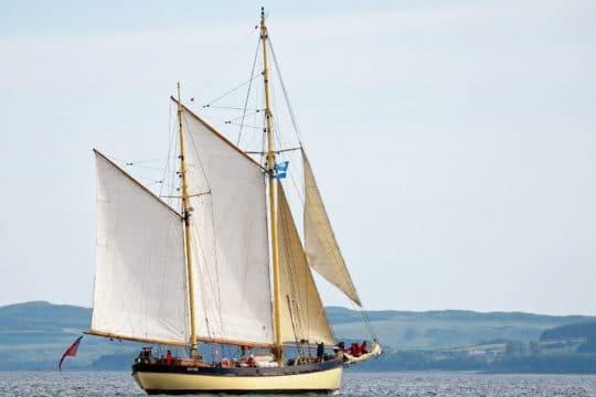 Maybe-full-sail-bow