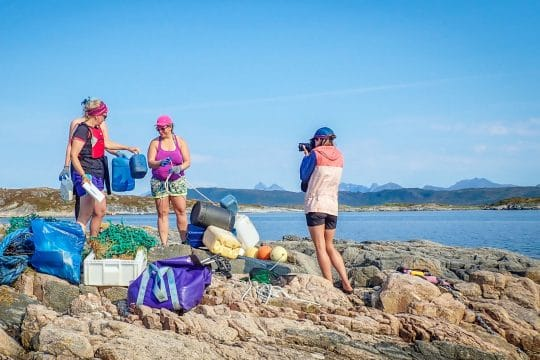 Narwhal guests norway beach clean