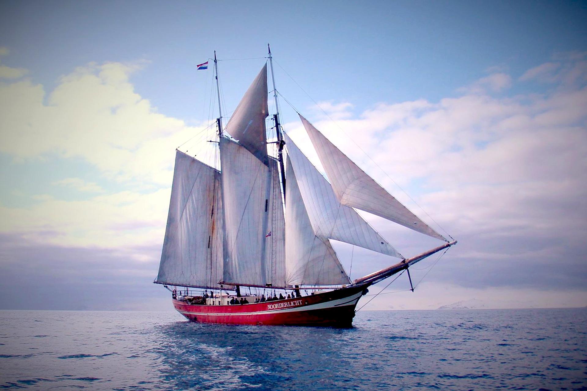 Noorderlicht-sailing-norway-full-sail