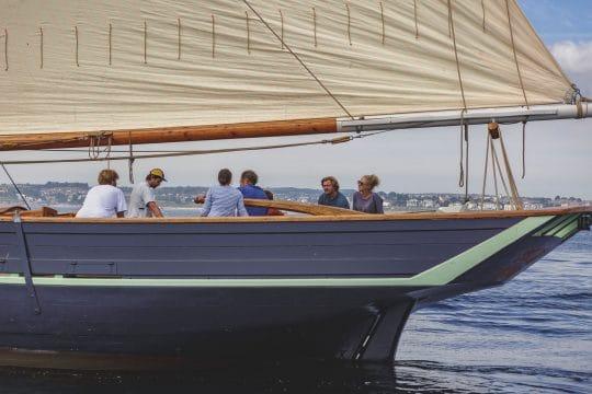 PEllew sailing guests