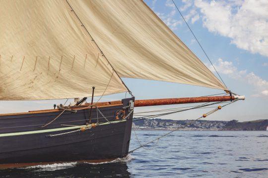 Pellew bowsprit sailing