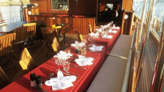 Sailing classics dining