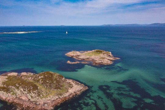 Scotland-Hebrides-Island_view-Iona