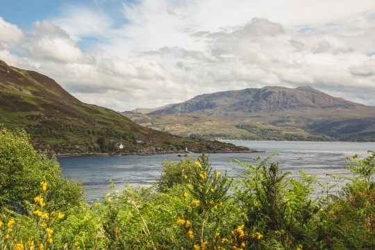 Scotland-Hebrides-Skye-Loch