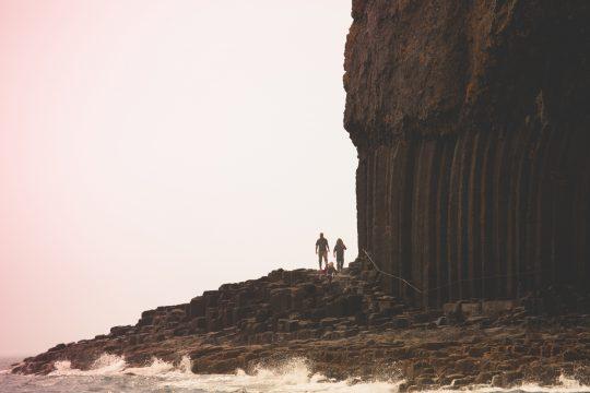 Scotland-Staffa-Fingals-Cave-Walkers