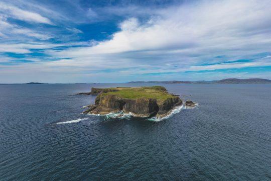 Scotland-Staffa-Island-View-Fingals-cave