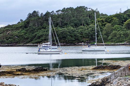 Stravaigin on anchor