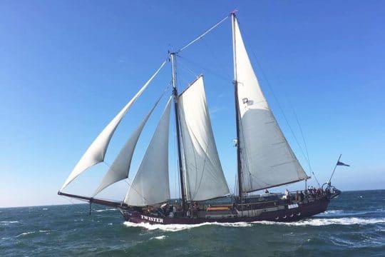 Twister - full sail sailing fast