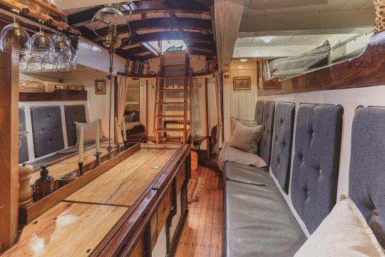 Venturesail-Eda-Fransen-below-deck-seating