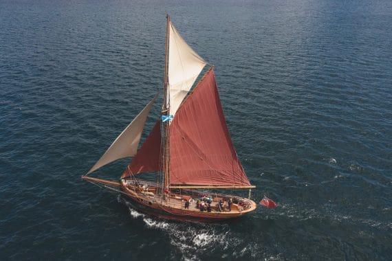 Venturesail-Eda-Fransen-overhead-sailing