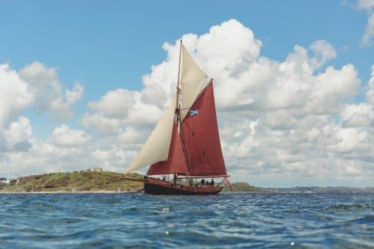Venturesail-Eda-Fransen-sailing-full-sail