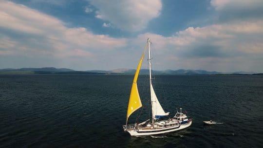 ZUZA full sail full boat