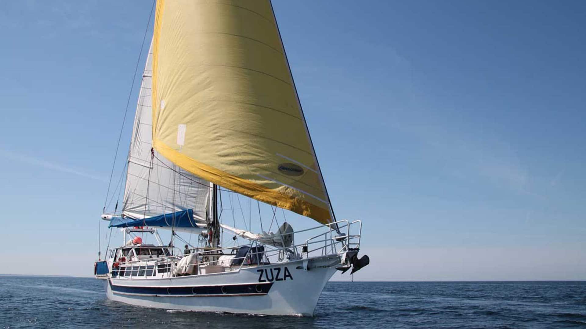 ZUZA full sails