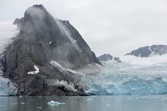 Linden Svalbard Arctic sailing scenery