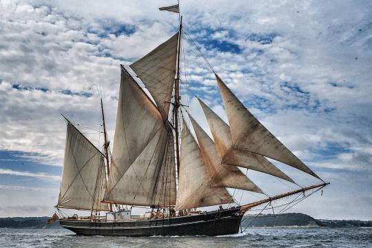 full sail cargo voyage Bessie Ellen